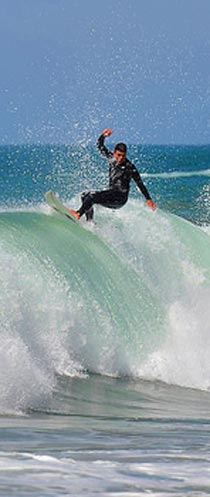 Camping pays basque - Surfeur